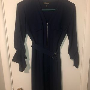 Short navy dress with belt